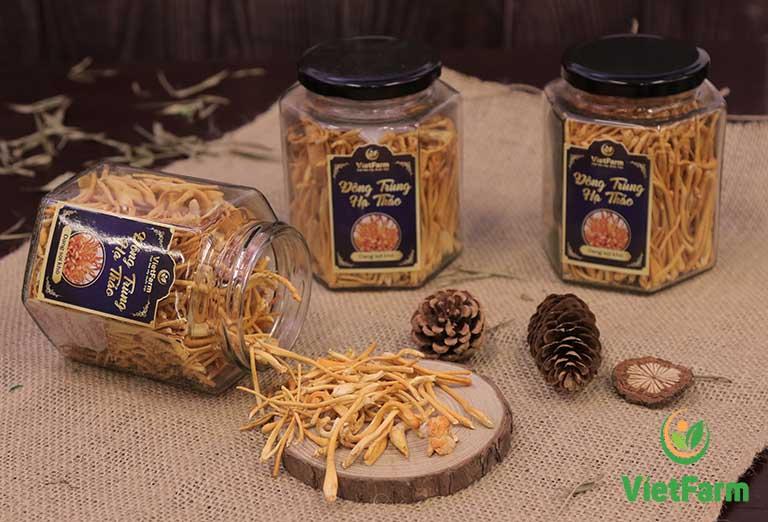 Sản phẩm được đóng gói trong lọ thủy tinh bảo quản được nhiều tháng