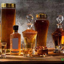 Lựa chọn loại trùng thảo và rượu để ngâm có nguồn gốc rõ ràng và hàm lượng các hoạt chất cụ thể.