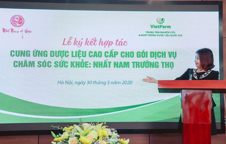 Bà Trần Thanh Hằng cho biết Vietfarm sẽ là đối tác lâu dài với Nhất Nam Y Viện