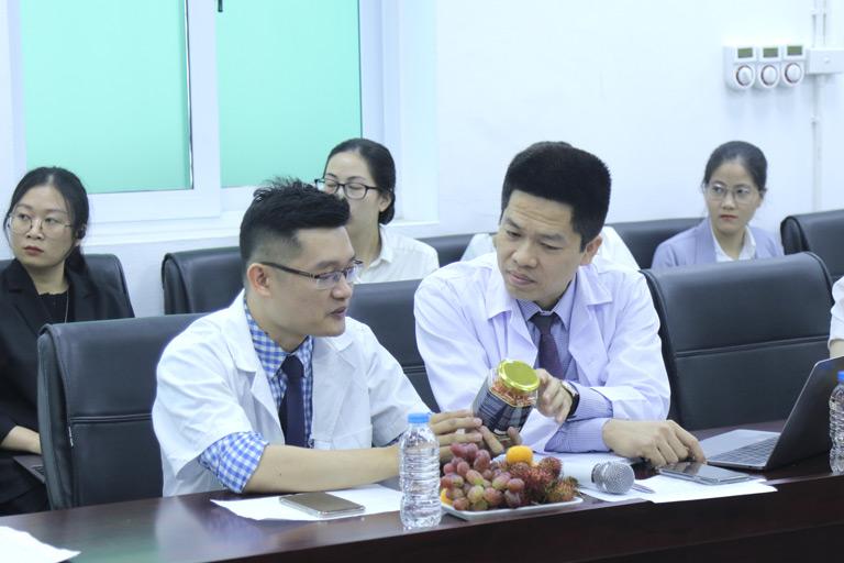 Hội đồng chuyên môn thảo luận, chia sẻ tích cực trong buổi hội thảo