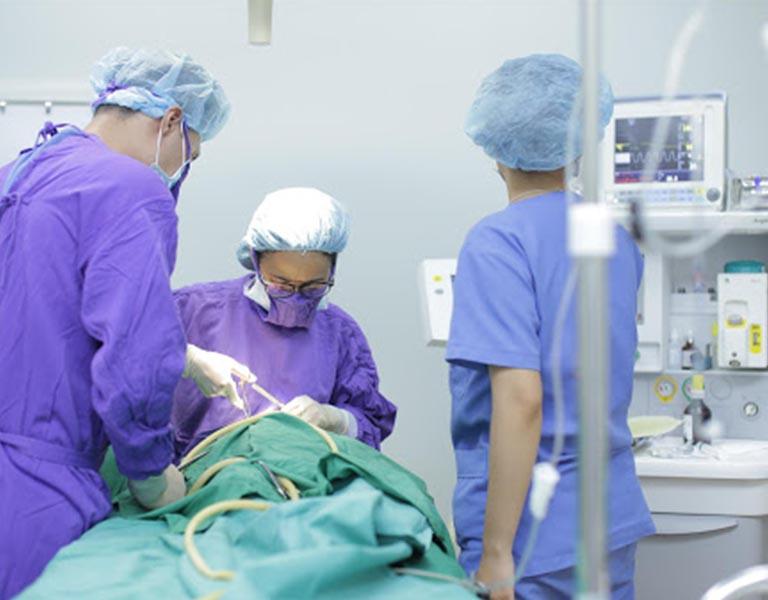 Phẫu thuật là phương pháp được chỉ định với bệnh nhân nặng