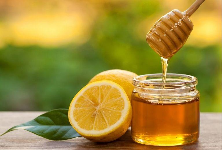 Mật ong có tác dụng tốt cho việc điều trị viêm mũi họng cấp