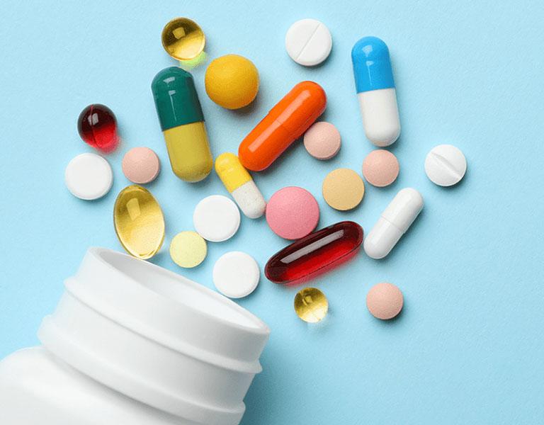 Trị bệnh viêm tai giữa ở trẻ bằng thuốc Tây là phương pháp phổ biến