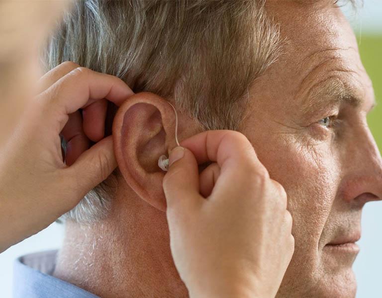 Viêm tai giữa ứ dịch có thể khiến bệnh nhân bị điếc vĩnh viễn