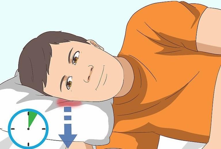 Gối cao đầu là cách chữa ù tai khi bị nước vào nên áp dụng