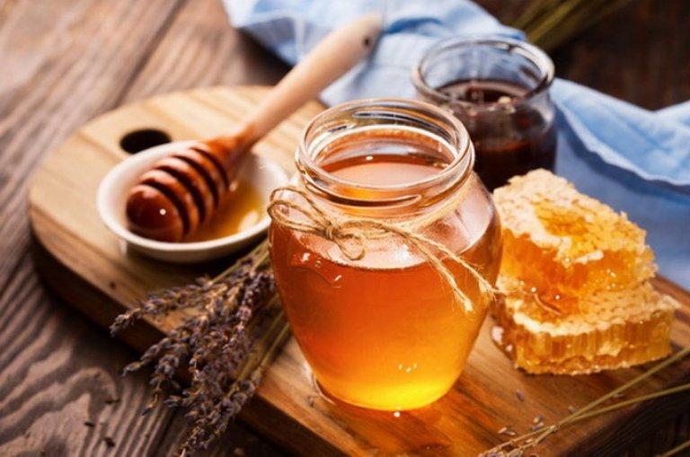 Gừng mật ong là mẹo dân gian phổ biến điều trị bệnh