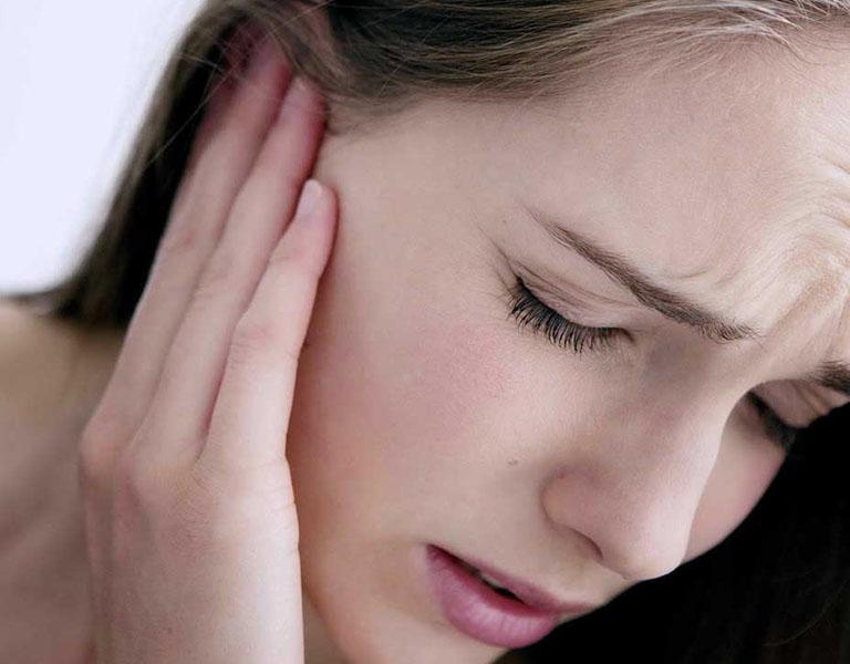 Vệ sinh tai giúp hỗ trợ quá trình điều trị nhanh chóng hơn, tránh biến chứng nguy hiểm
