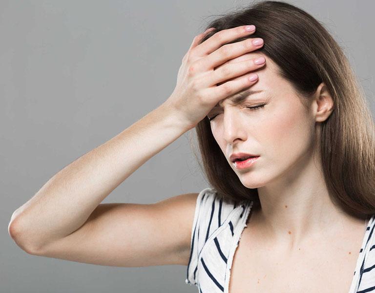 Chóng mặt ù tai có thể xảy ra do thiếu máu