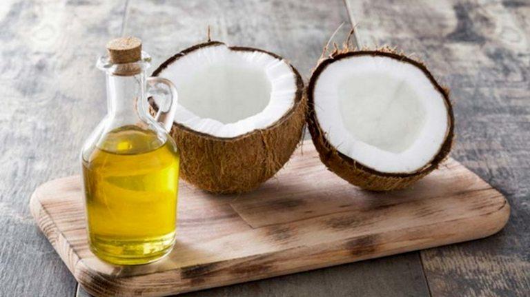 Trong dầu dừa có chứa các hợp chất có công dụng chống viêm, kháng khuẩn rất tốt