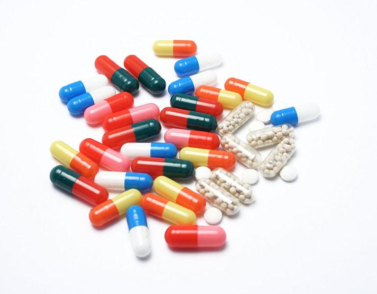 Thuốc Tây là phương pháp điều trị được nhiều người sử dụng