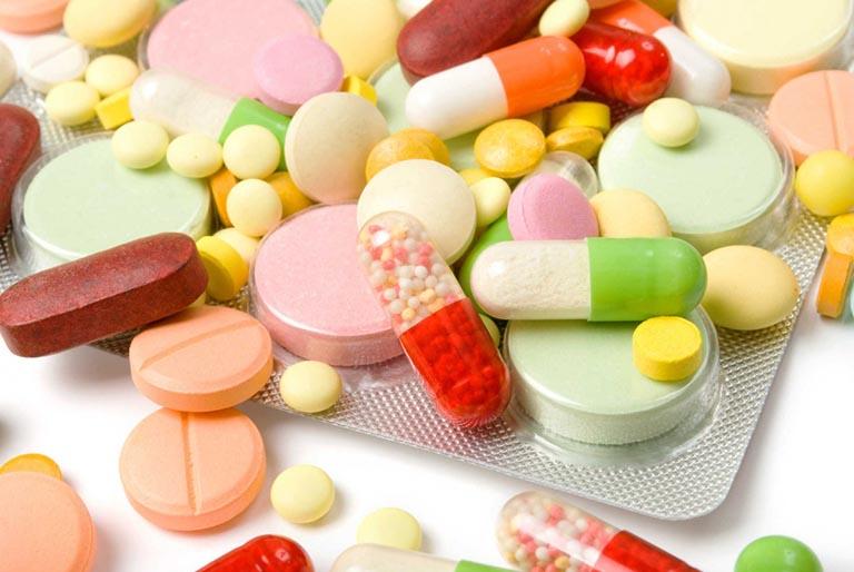 Thuốc Tây là biện pháp được sử dụng hàng đầu với bệnh nhân viêm VA cấp