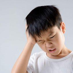 Trẻ em bị thủng màng nhĩ