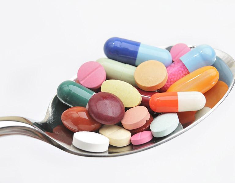 Sử dụng thuốc Tây cần tuân thủ chỉ định của bác sĩ chuyên khoa