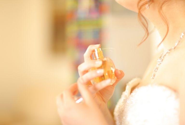 Dị ứng với nước hoa cũng là nguyên nhân gây bệnh