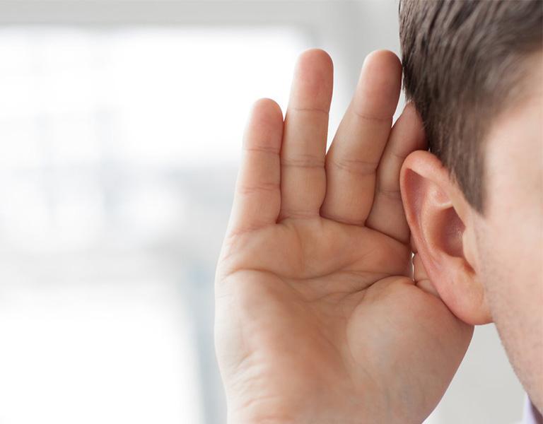 Viêm tai giữa cấp có thể gây suy giảm thính lực