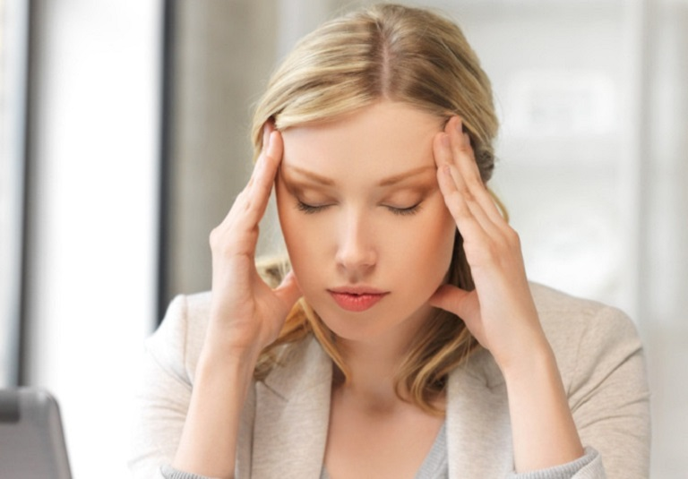 Viêm xoang nhức đầu là triệu chứng phổ biến của bệnh viêm xoang mũi