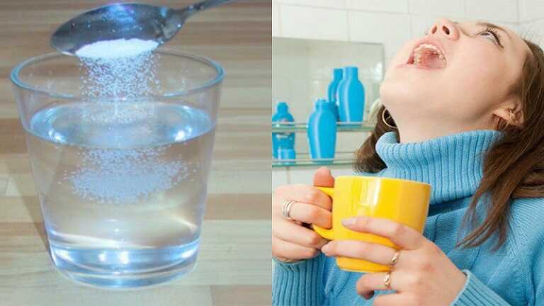 Súc miệng bằng nước muối là cách chữa viêm amidan hốc mủ đơn giản nhất
