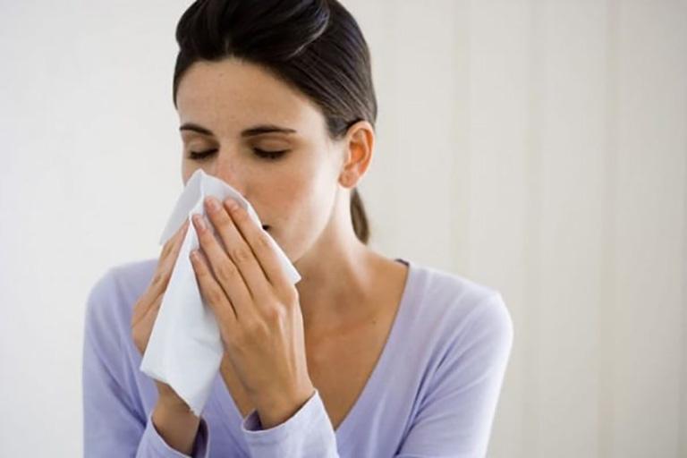 Nhiều khả năng chảy nước mũi là do cảm lạnh
