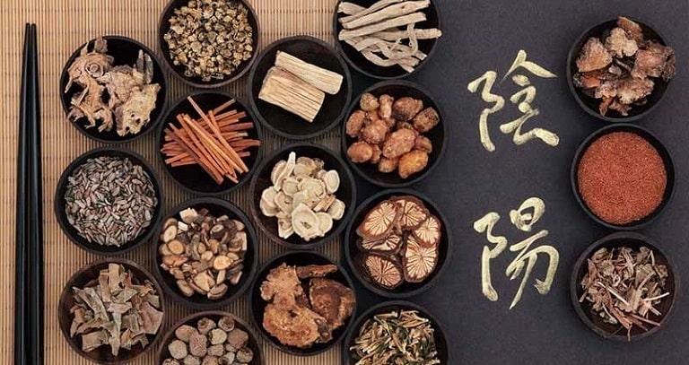 Chữa viêm amidan bằng Đông y là phương pháp có nhiều ưu điểm
