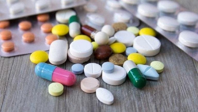 Nhiều cha mẹ chọn thuốc tây điều trị cho con vì hiệu quả nhanh chóng
