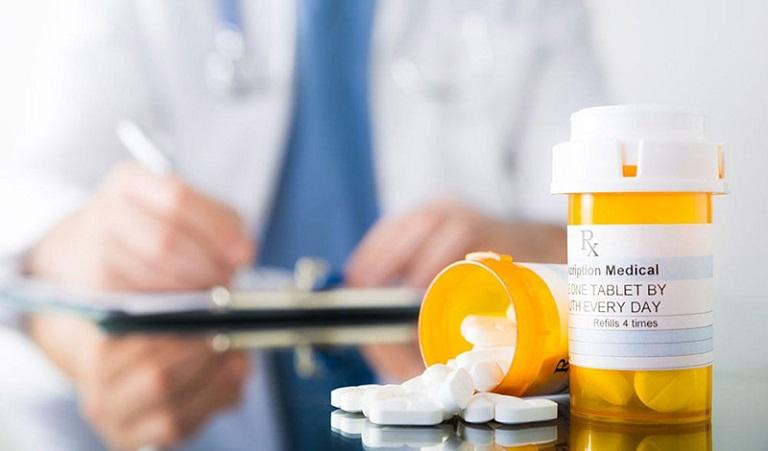 Thận trọng khi sử dụng thuốc Tây y để giảm tác dụng phụ trên cơ thể