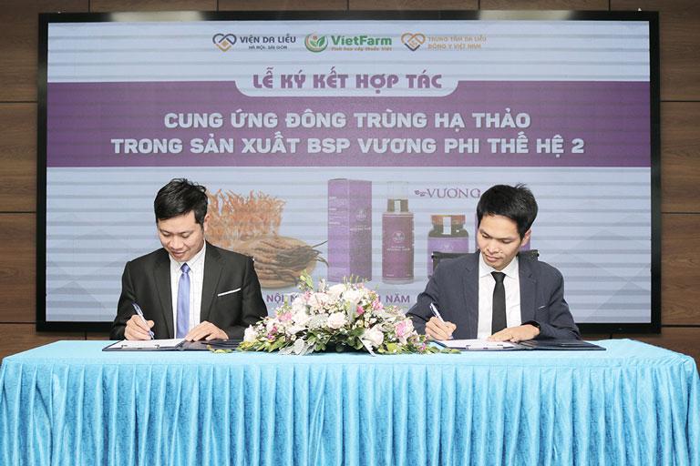 Đại diện 2 bên chính thức ký kết hợp tác đánh dấu bước phát triển quan trọng trong thời gian sắp tới