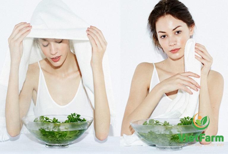 Dùng dược liệu xông mặt giúp trị mụn hiệu quả