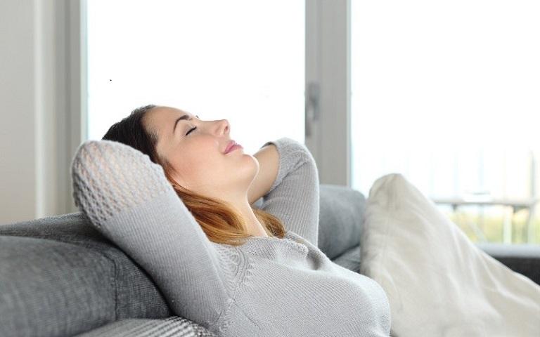 Sau khi cấy chỉ, người bệnh nên nghỉ ngơi, thư giãn