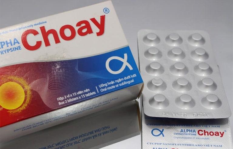 Alphachymotrypsin là thuốc chống phù nề, kháng viêm tại chỗ và dẫn kháng sinh