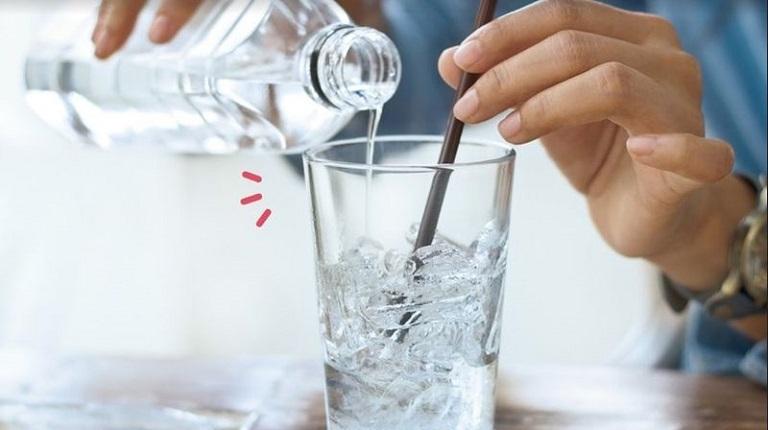 Người bệnh bị viêm xoang cần tránh sử dụng nước đá
