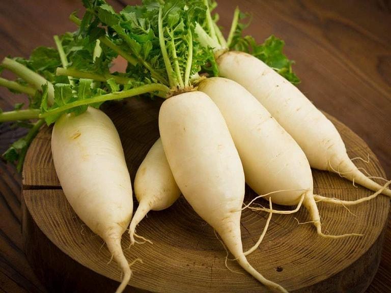Chất cay tự nhiên trong loại rau củ này giúp kháng khuẩn, giảm đau