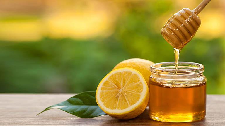Mẹo đơn giản với mật ong có tác dụng tốt với người bị viêm họng