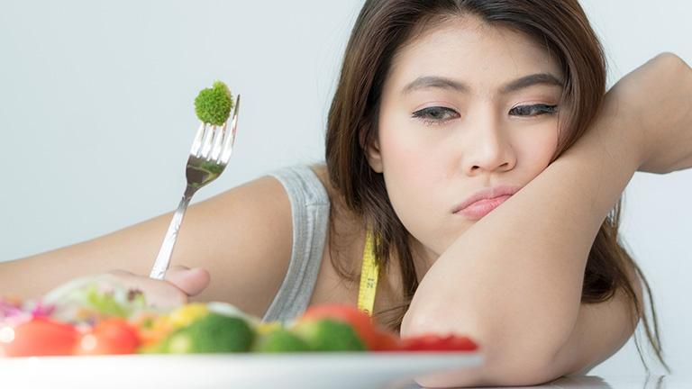 Chế độ ăn uống không khoa học có thể gây đau dạ dày