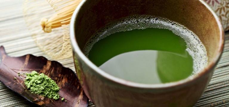 Uống nước lá bàng non mang đến giải pháp điều trị tốt cho người bệnh