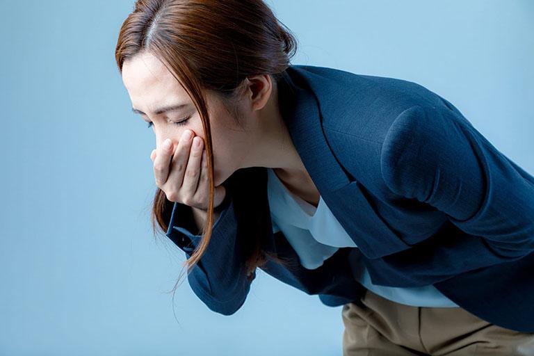 Người buồn nôn và nôn ói thường xuyên nên đi kiểm tra sức khỏe