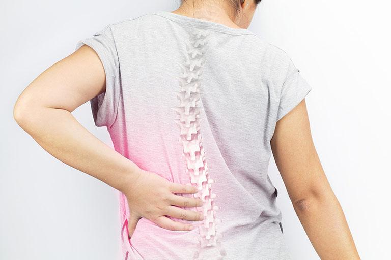 Những chấn thương do tai nạn giao thông, tai nạn lao động tại cột sống sẽ gây ra những tổn thương cho xương khớp