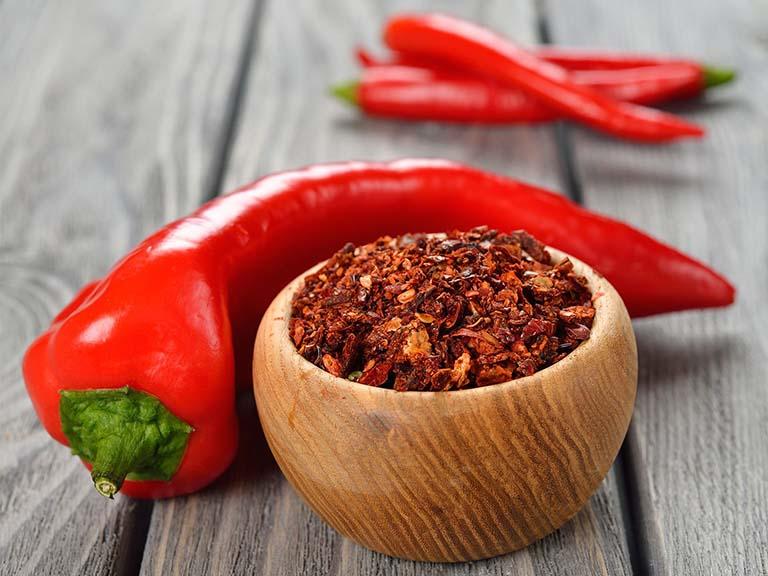 Người bệnh không nên ăn đồ cay nóng hoặc đồ khô cứng
