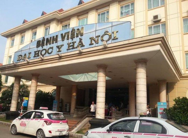 Khám ở bệnh viện của Đại học Y Hà Nội