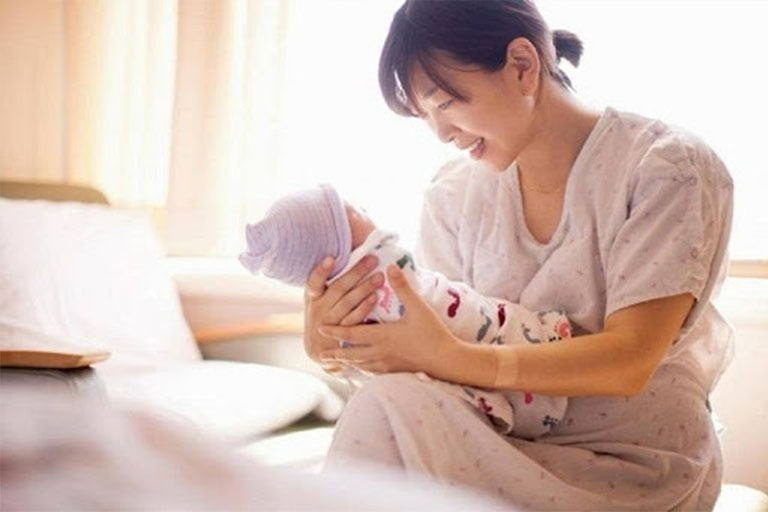 Phụ nữ sau sinh là nhóm đối tượng rất dễ mắc bệnh dạ dày